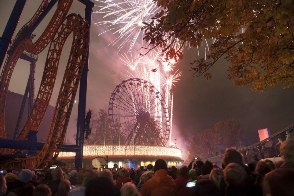 Фейерверк - самое красочное событие октября в Хельсинки