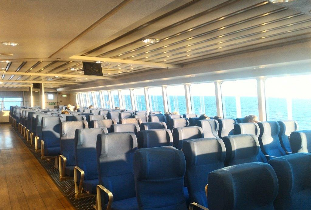 Скоростной паром Viking Line FSTR. Полет над морскими волнами.